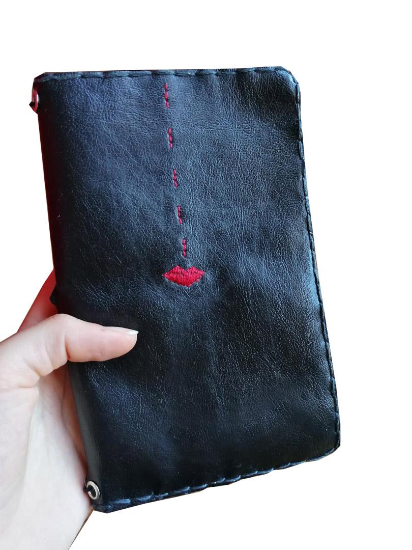 Quaderno in pelle cucito a mano