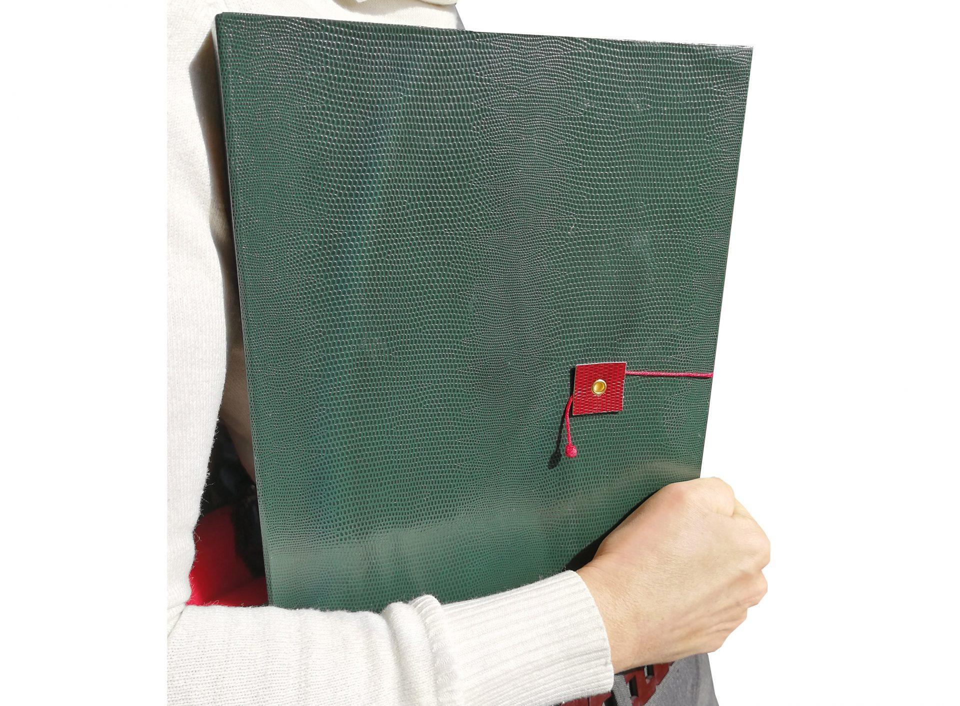 Quaderno Grande A4 Verde in braccio